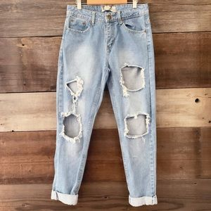 BOOHOO Light Holey Distressed High-Rise Mom Jeans